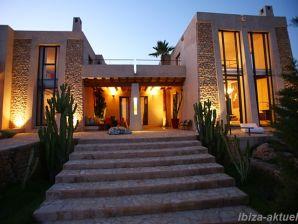 Luxusvilla im minimalistischen Baustil 74