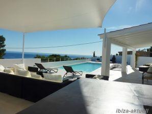 Strandnahes Ferienhaus mit fantastischem Meerblick 205