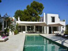 Villa in Roca Lisa 244