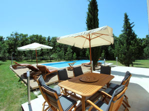 Holiday house Breg Villa