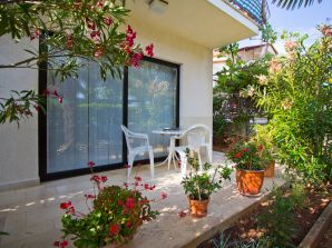 Holiday apartment Sara Veli Maj