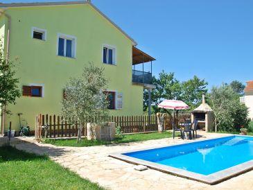 Ferienwohnung mit eigenem Pool