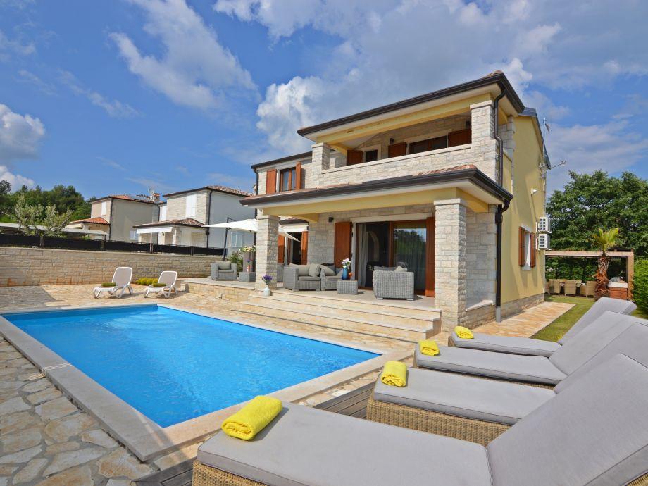 Villa Hellenia mit Pool
