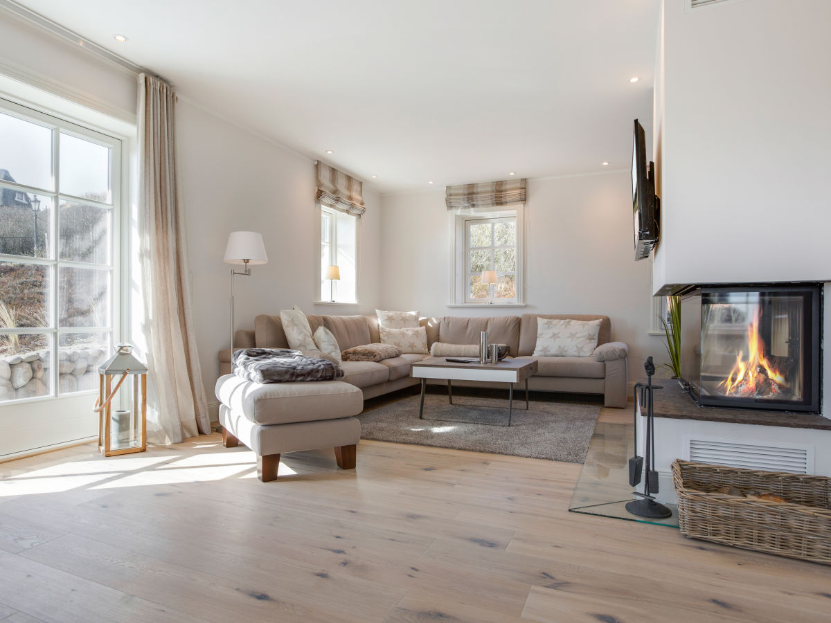Ferienhaus d nen h s ii rantum firma apartment for Wohnlandschaft 8 personen