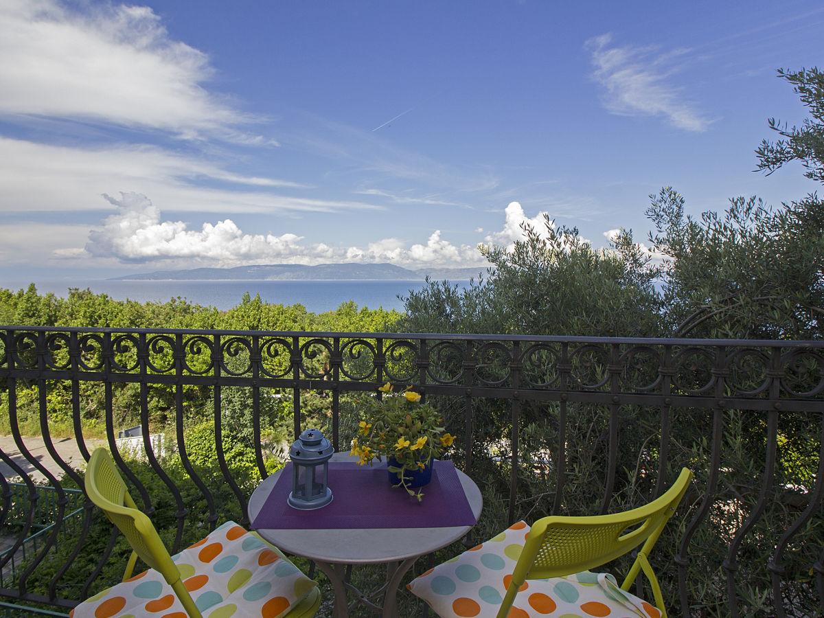 ferienwohnung in der n he vom strand haustiere erlaubt rabac istrien firma kvarner express. Black Bedroom Furniture Sets. Home Design Ideas