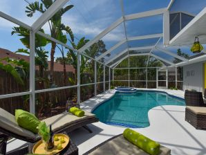 Ferienhaus Pool Villa I mit Privat-Strand