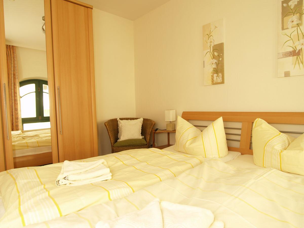 ferienwohnung waldhaus wohnung nr 6 k hlungsborn west frau kirsten meer. Black Bedroom Furniture Sets. Home Design Ideas