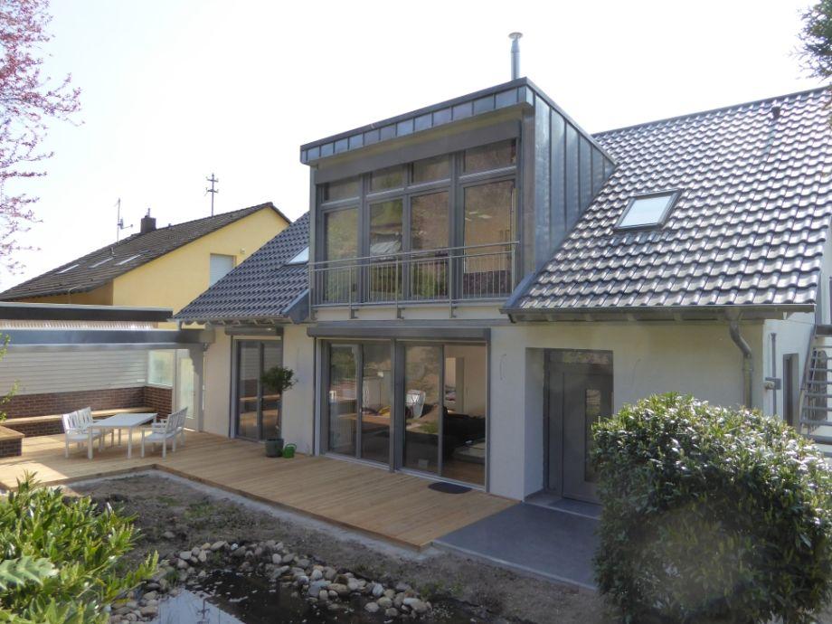 Ansicht aus dem Garten auf das Südpfalz Quartier 42