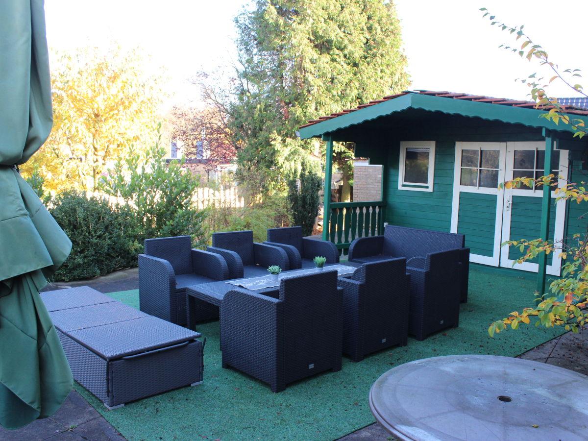 ferienwohnung haus abbi mit schwimmbad norddeich hage. Black Bedroom Furniture Sets. Home Design Ideas