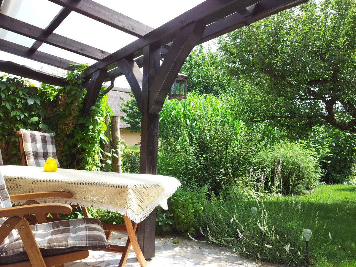 romantisches ferienhaus am wasser burg spreewald. Black Bedroom Furniture Sets. Home Design Ideas