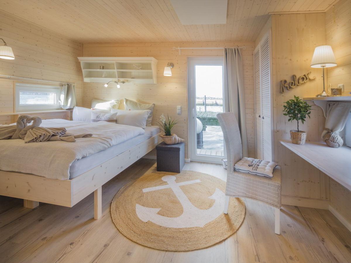 hausboot s dstrand fehmarnsund firma simone reinhard frau simone reinhard. Black Bedroom Furniture Sets. Home Design Ideas