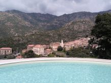 Ferienhaus mit Pool, nähe Berge und Meer