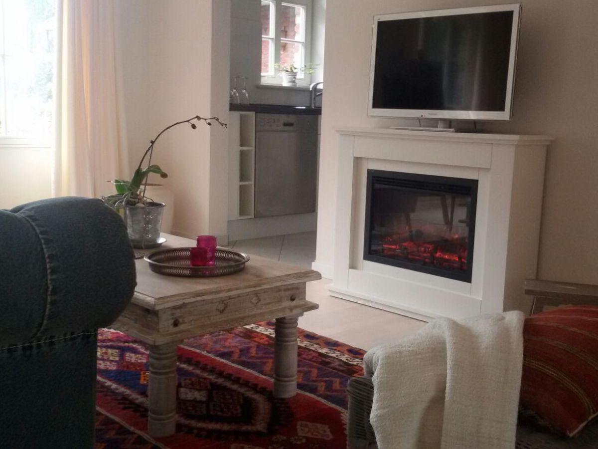 Ferienwohnung rose cottage petershagen an der weser frau uschi strubel becker - Wohnzimmer mit kamin ...