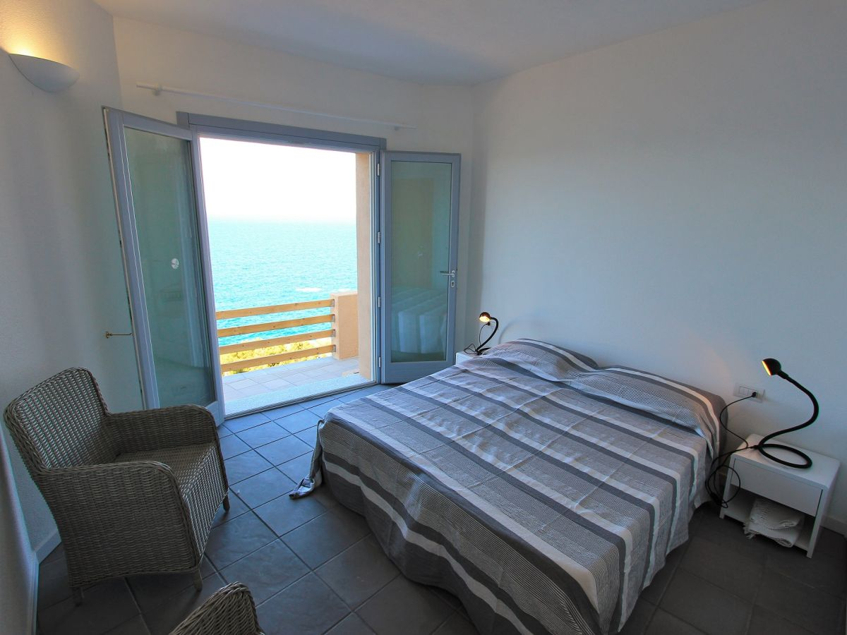 Villa nettuno costa paradiso firma stephan r der - Schlafzimmer stephan ...
