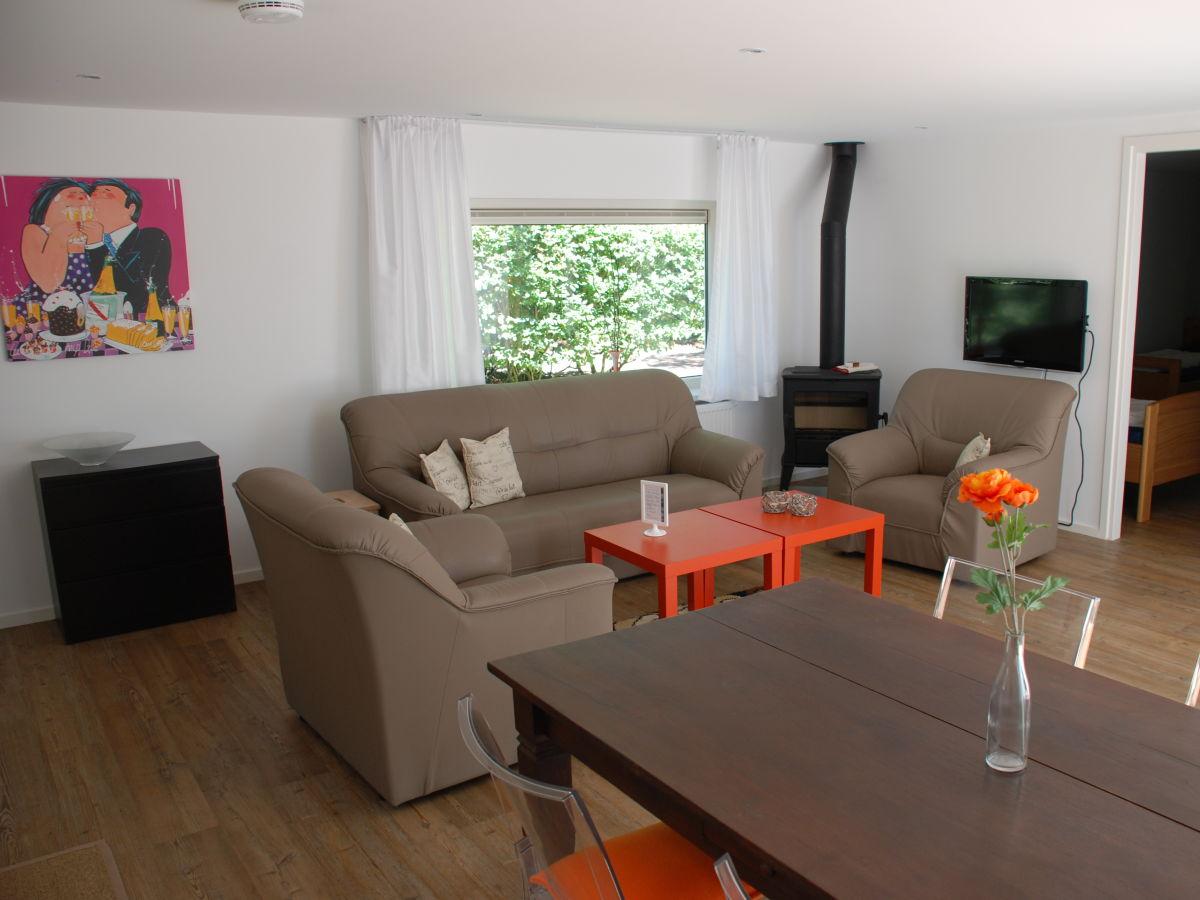 bungalow sprong 37 zeeland renesse firma zeeland vakantiewoningen frau atie oder simone. Black Bedroom Furniture Sets. Home Design Ideas
