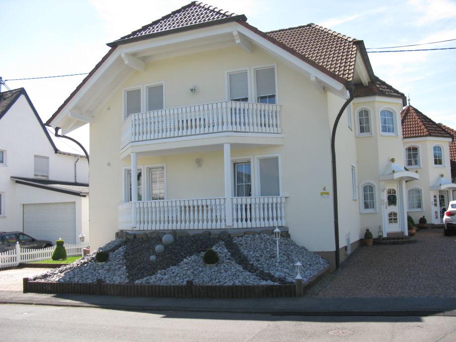 Ferienhaus Wohnung EG und OG