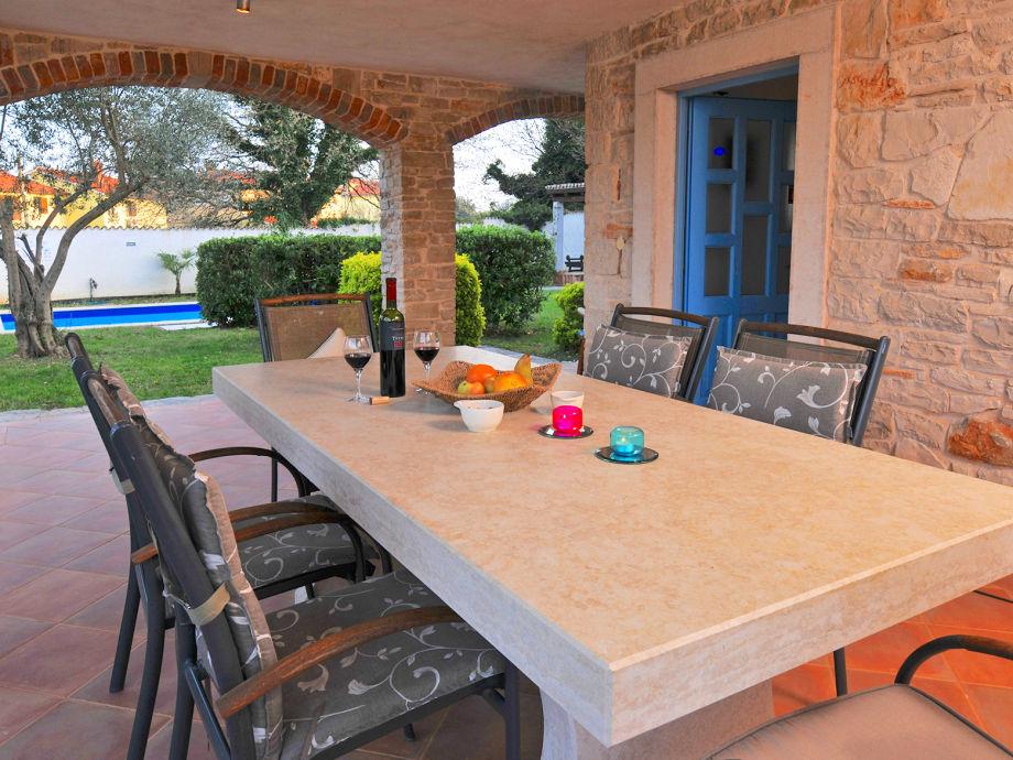villa marlera liznjan pula istrien kroatien firma croatian villa holidays mr nigel nowell. Black Bedroom Furniture Sets. Home Design Ideas