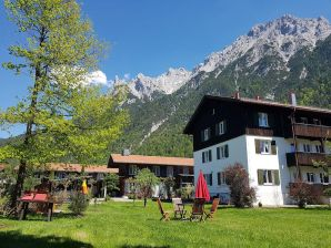 Holiday apartment Alpenrose in Mittenwald