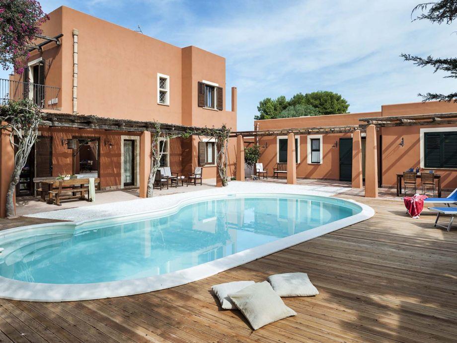 Villa Arangea with pool
