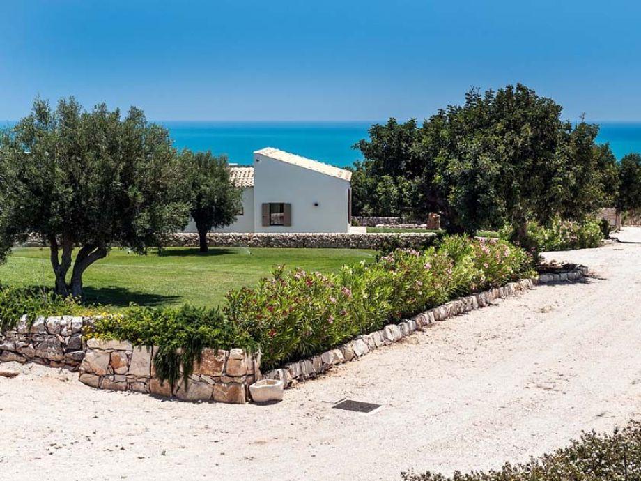 Außenaufnahme Isla Verde - Carrubi
