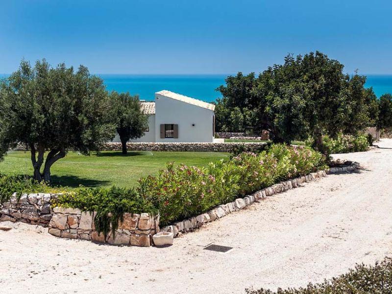 Villa Isla Verde - Carrubi