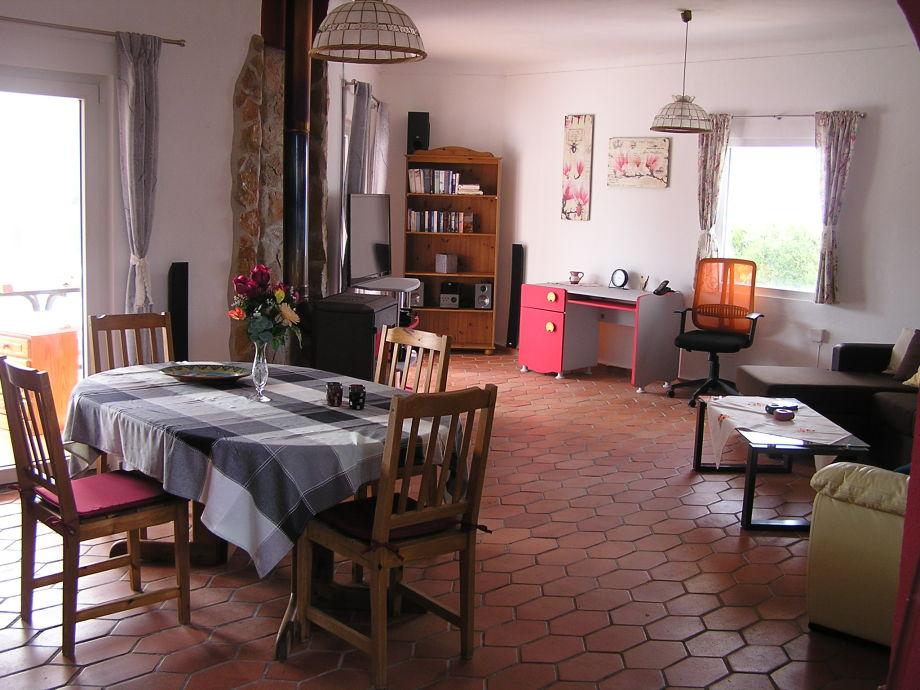 Ferienhaus casa lizzy portugal algarve frau sigrid for Wohnzimmer mit esstisch