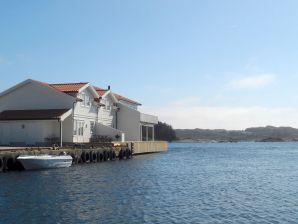 Ferienhaus Mølstrevåg, Haus-Nr: 37486