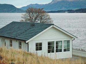 Ferienhaus Rokset / Averøy, Haus-Nr: 55777