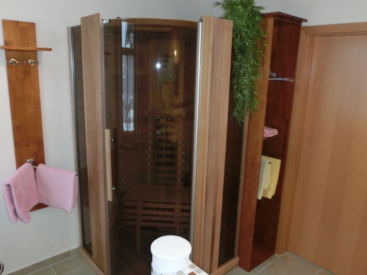 ferienwohnung linde im haus k hn s chsische schweiz frau reingard k hn. Black Bedroom Furniture Sets. Home Design Ideas