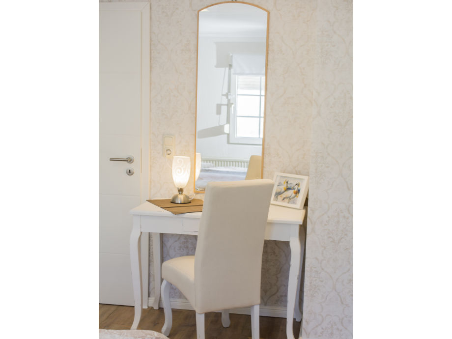 ferienwohnung mit sauna und kosmetikstudio nordeifel frau manuela maximini schiefer. Black Bedroom Furniture Sets. Home Design Ideas