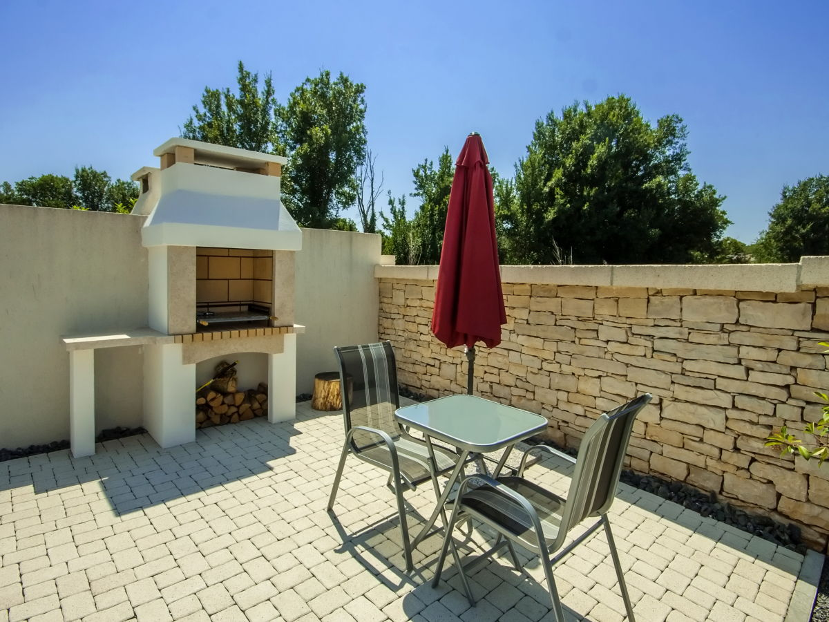 villa zephyra liznjan pula istrien firma croatian villa holidays mr nigel nowell. Black Bedroom Furniture Sets. Home Design Ideas