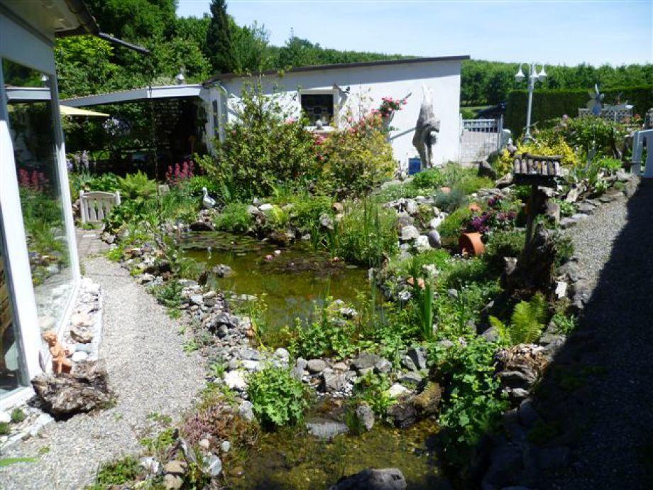 Ferienwohnung 1 uschi und walter zapf bodensee - Garten mit teich ...