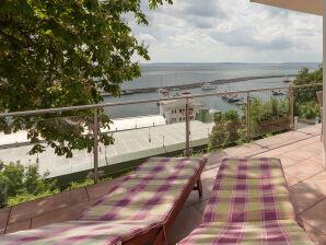 Ferienwohnung Svea - mit atemberaubendem Hafen-Ostsee-Blick