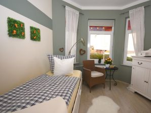 Ferienzimmer Mein Heim 1 · Pension Sierksdorf