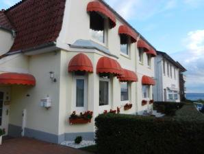 Ferienzimmer Mein Heim11 · Pension Sierksdorf
