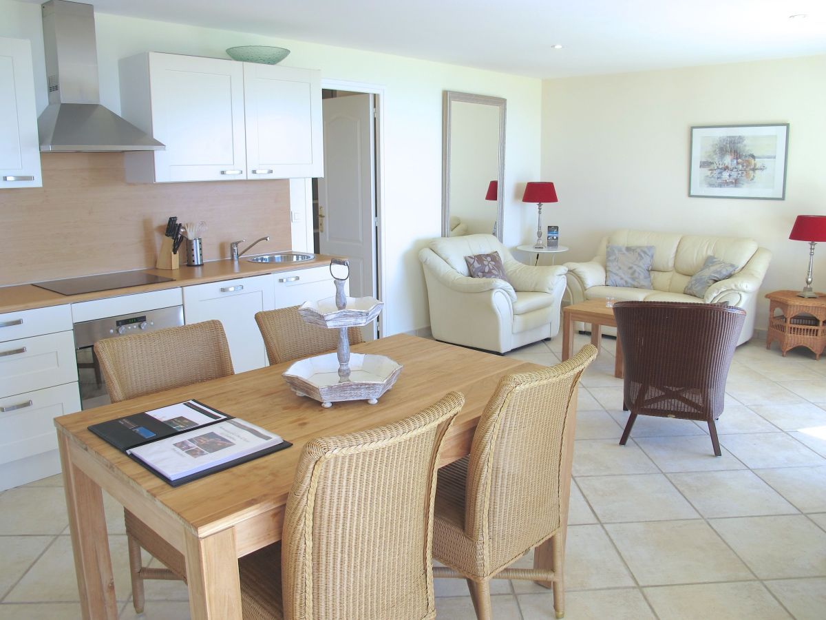 villa monte carlo les issambres cote d 39 azur provence. Black Bedroom Furniture Sets. Home Design Ideas