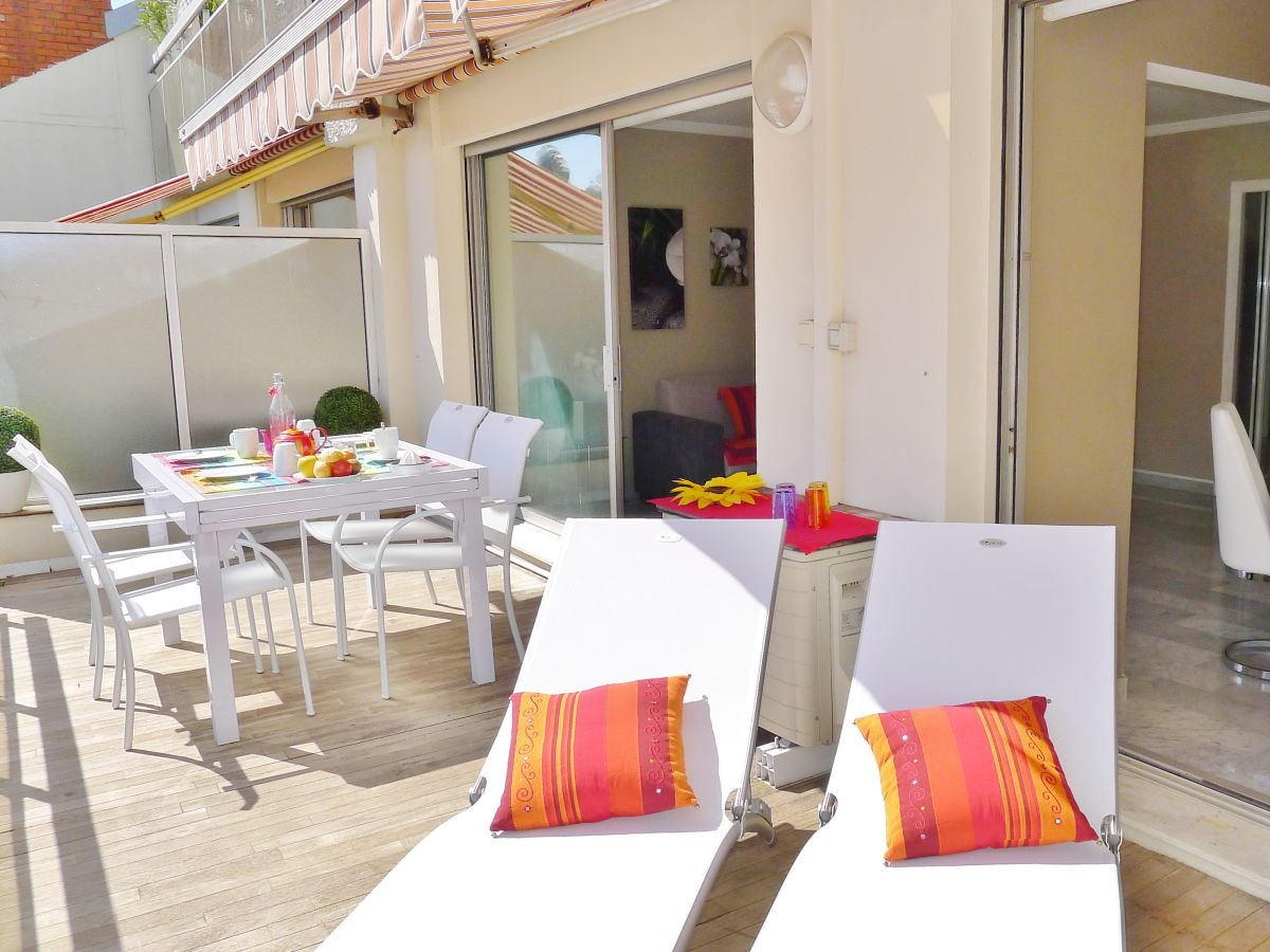 Ferienwohnung City Zen, Nizza, Firma RIVIERA HOLIDAY HOMES ...