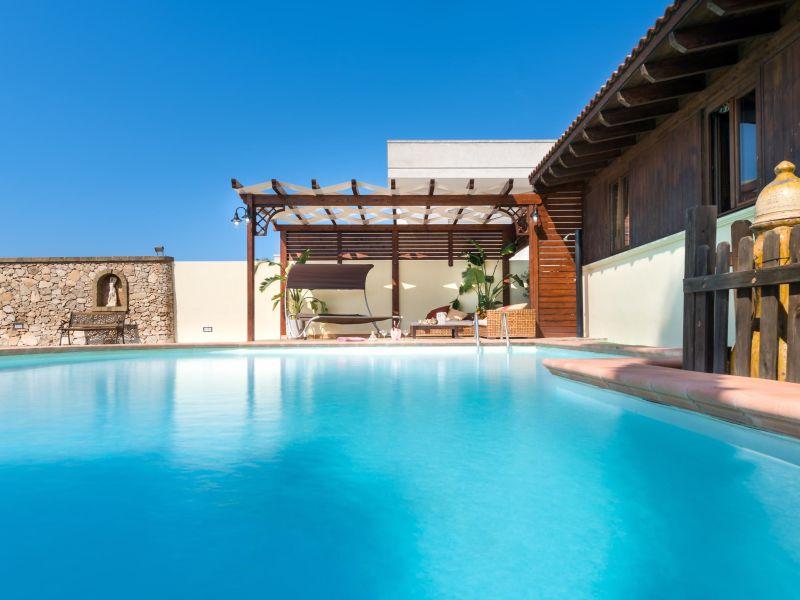 Ferienhaus Luxury Pool Chalet
