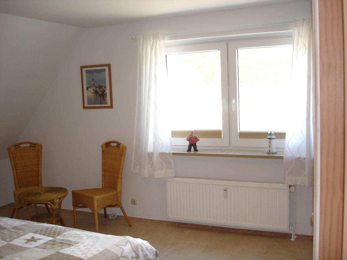 ferienwohnung leuchtfeuer h rnum frau claudia ruzas. Black Bedroom Furniture Sets. Home Design Ideas