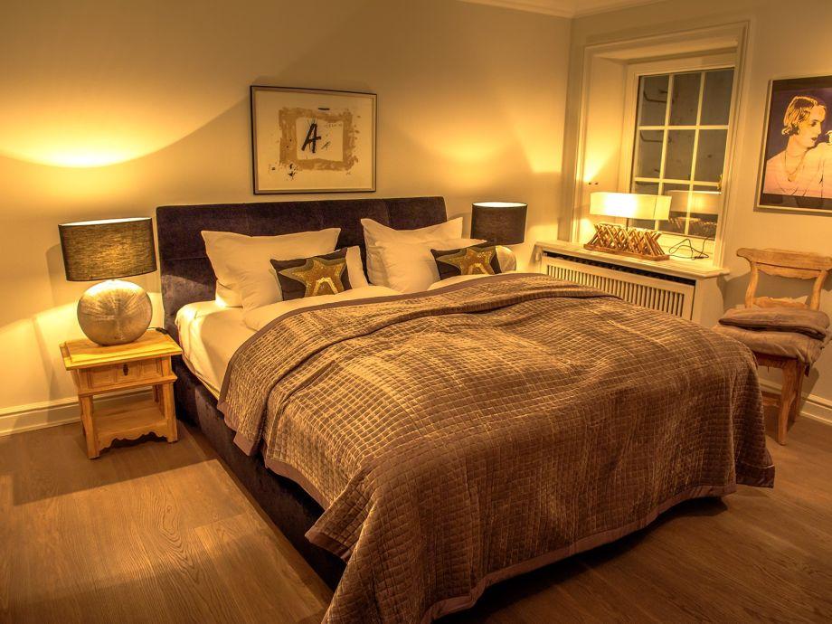 ferienwohnung kaminsuite exkl mit garten kamin pool sauna kampen sylt firma sylt suites. Black Bedroom Furniture Sets. Home Design Ideas