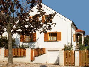"""Ferienwohnung Haus """"Heide"""""""