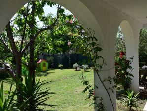 Ferienwohnung Erdgeschoss & Garten
