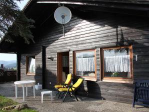 Ferienhaus im Wald-av848