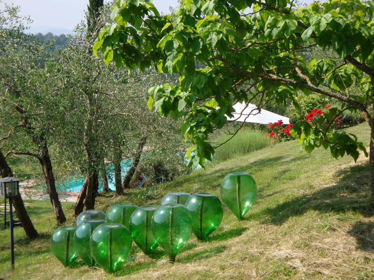 Ferienhaus villa cerqualto umbrien firma villa for Garten pool 2m tief