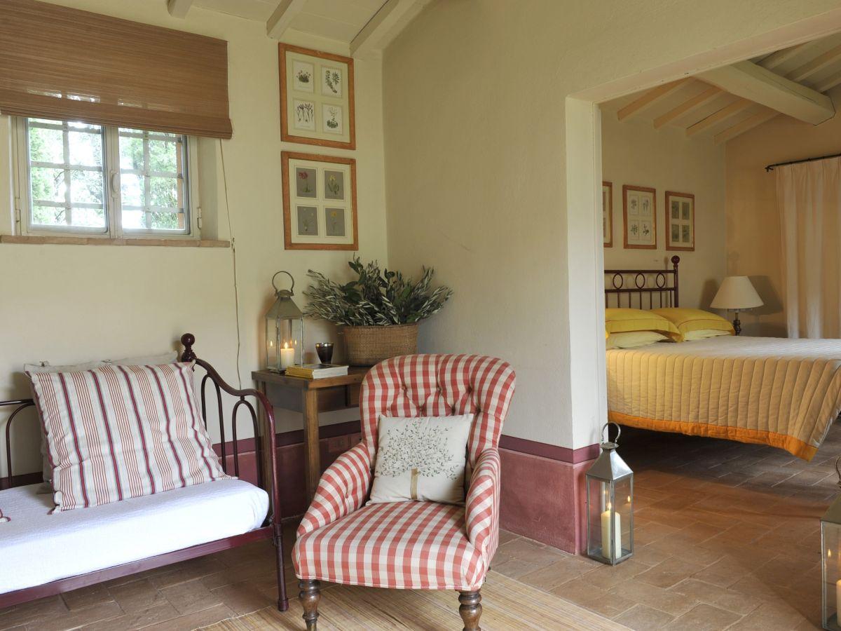villa emma siena firma siena shire s r l frau. Black Bedroom Furniture Sets. Home Design Ideas