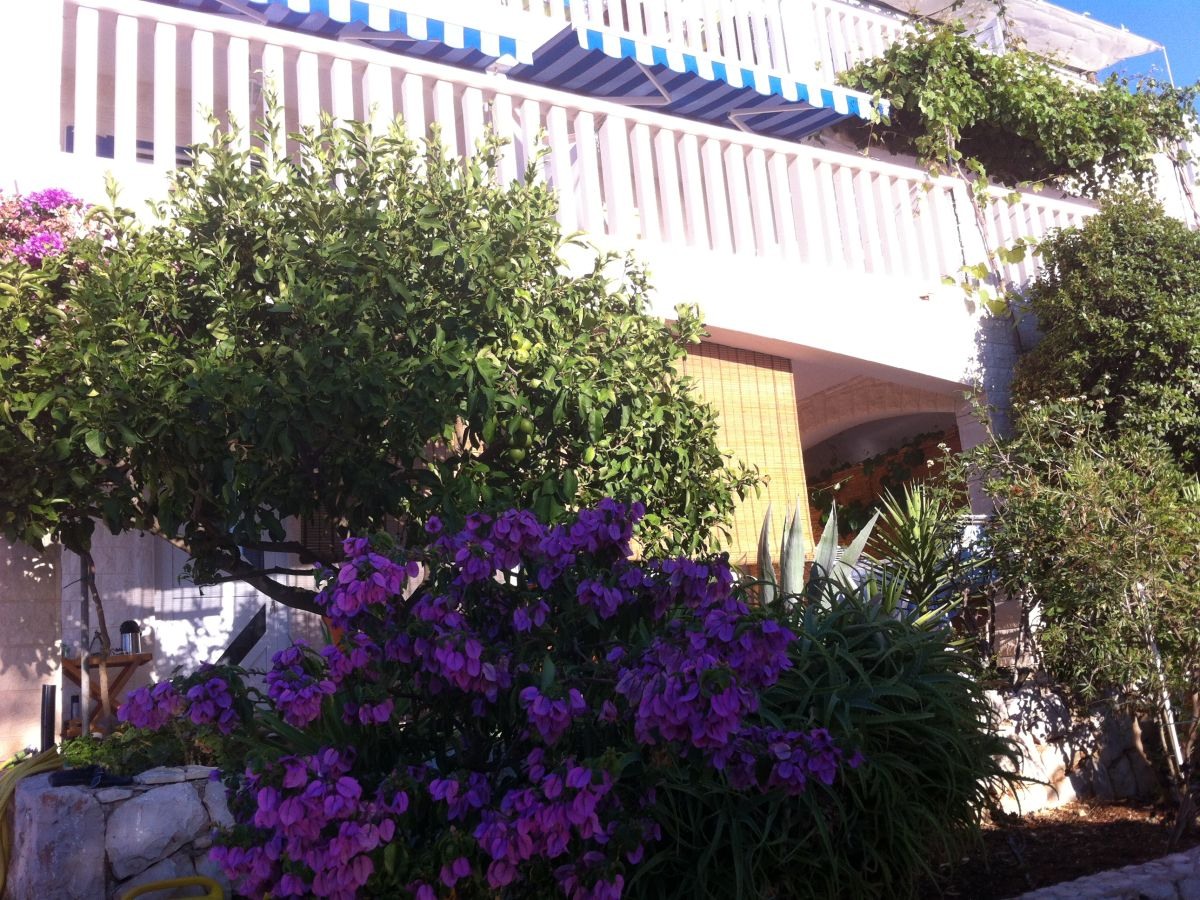 Ferienwohnung penthouse loft ap lavanda hvar bay for Ap lofts