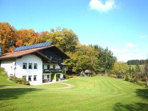 Ferienwohnung Eichenhain Benat  4S-1.OG