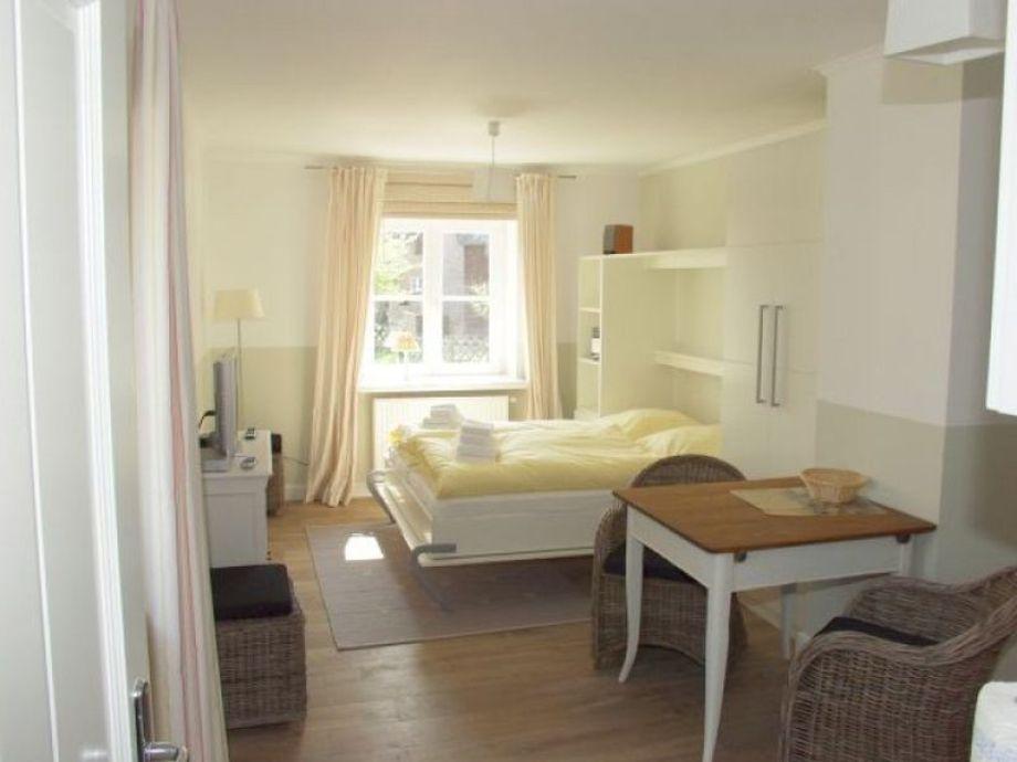 ferienwohnung kleine wache sylt firma. Black Bedroom Furniture Sets. Home Design Ideas