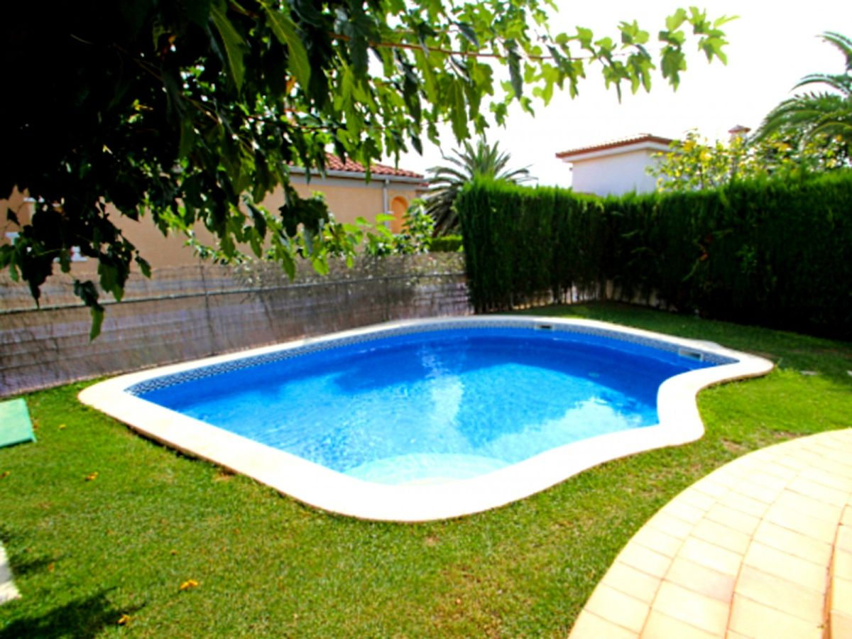 villa b23 poma katalonien costa dorada firma arenda. Black Bedroom Furniture Sets. Home Design Ideas