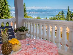 Ferienwohnung Luxury Olive apartment